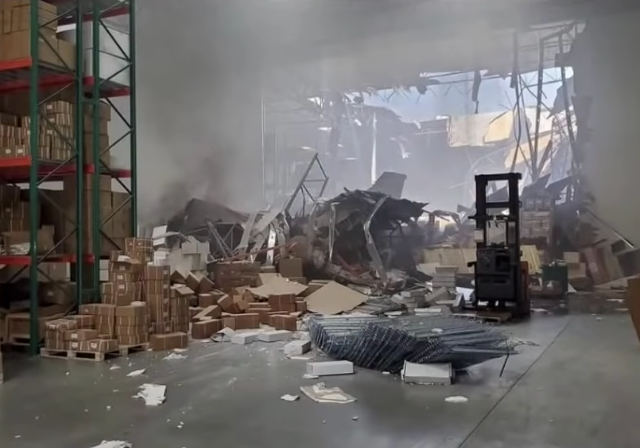 jet-crash-into-warehouse.jpg