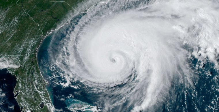Image of a hurricane approaching land.