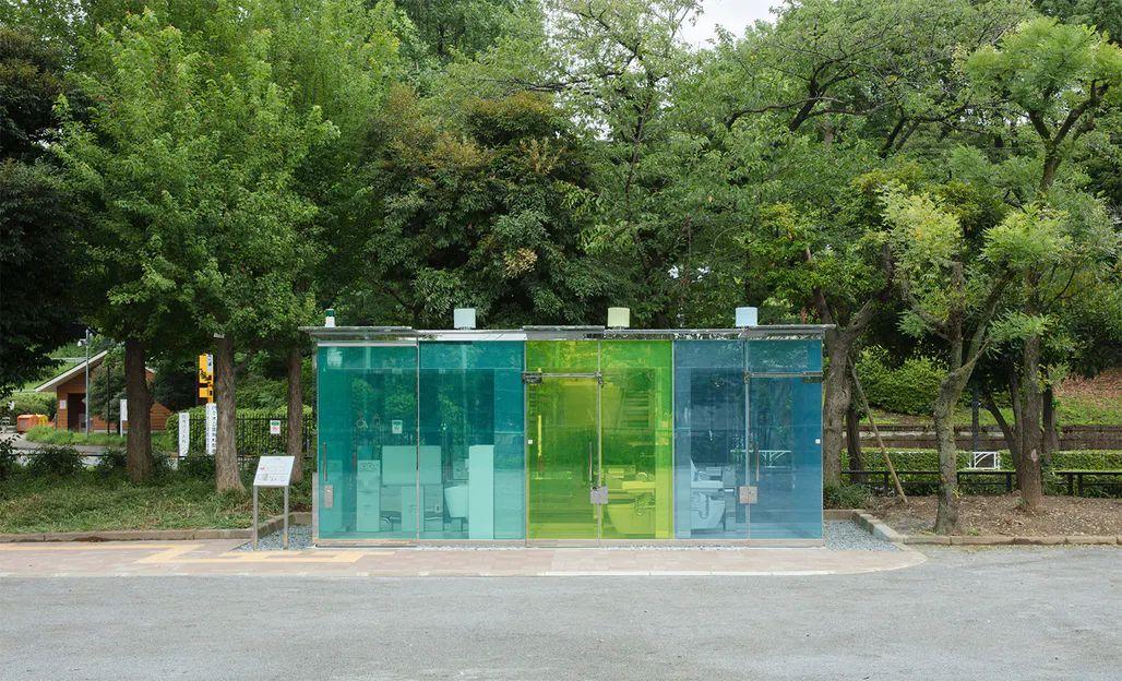 transparent-public-toilet-tokyo-2.jpg