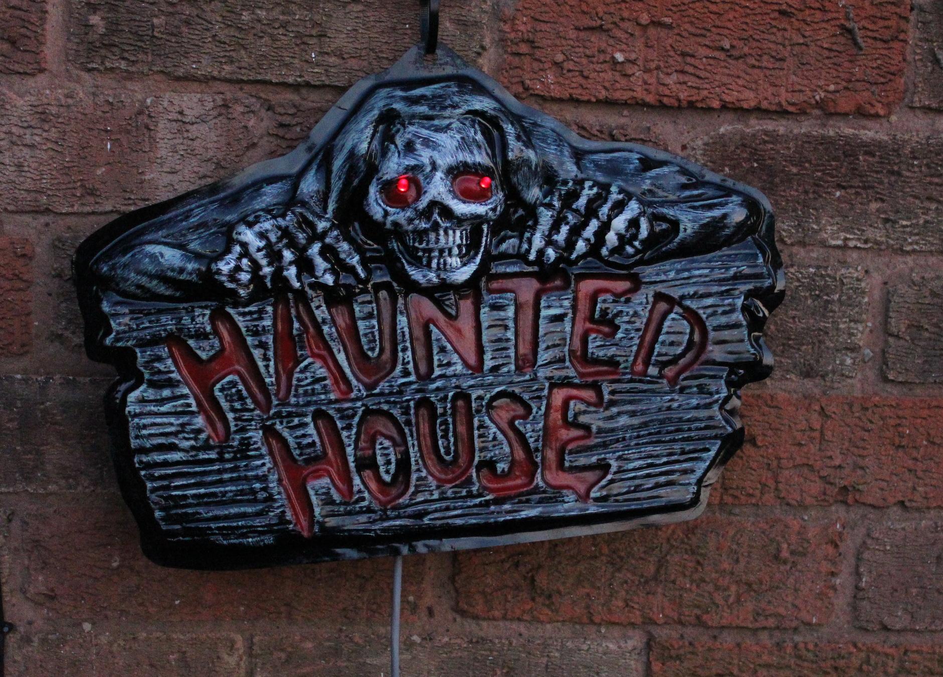 A Halloween themed doorbell