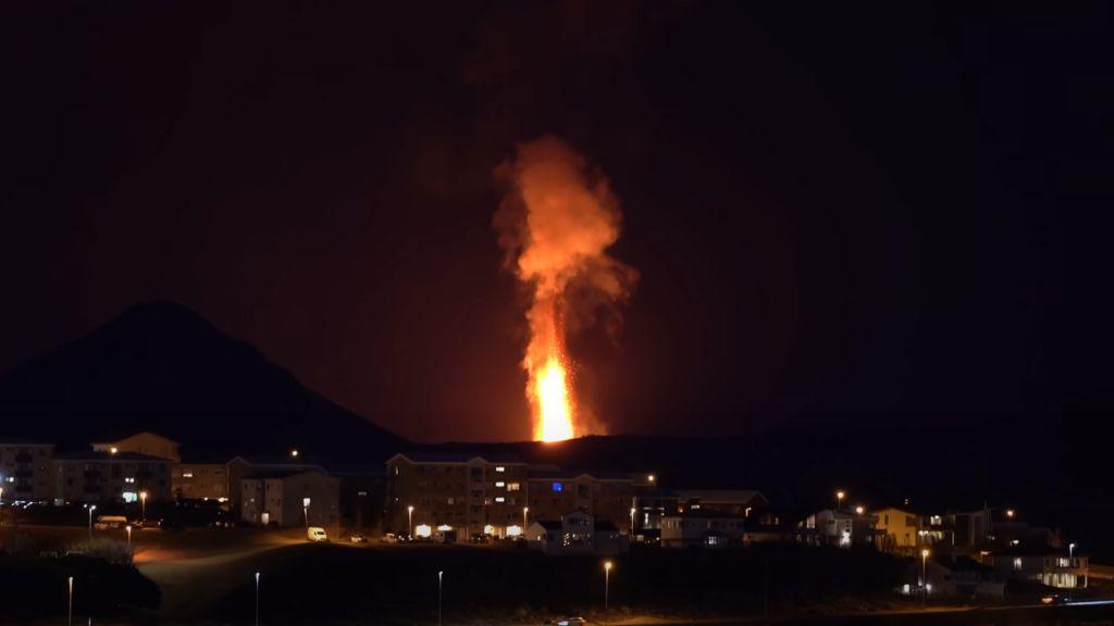 iceland-volcano-eruption.jpg