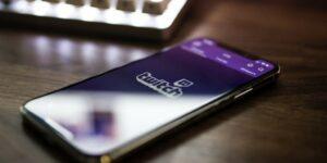twitch iOS app on iPhoneX