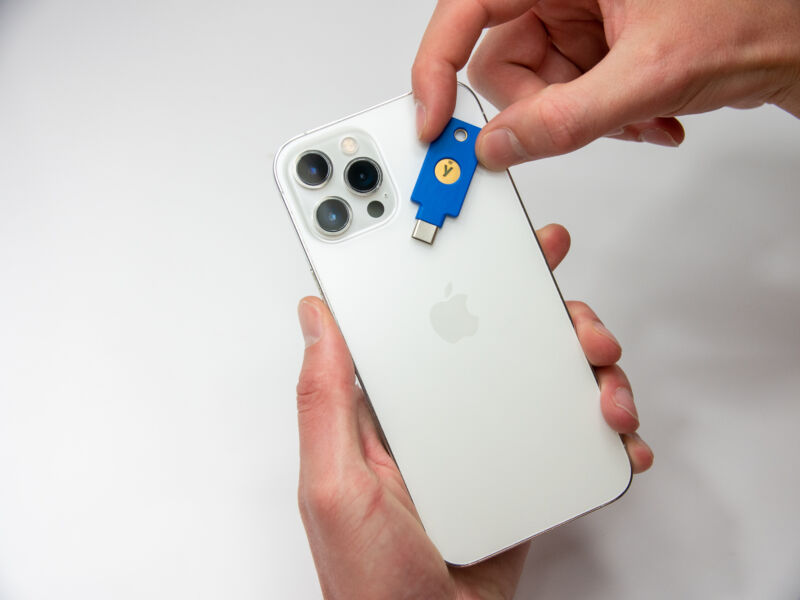 New Yubico security keys let you log in with a tap to your USB-C port